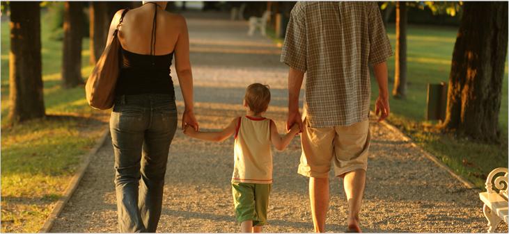 child between parents